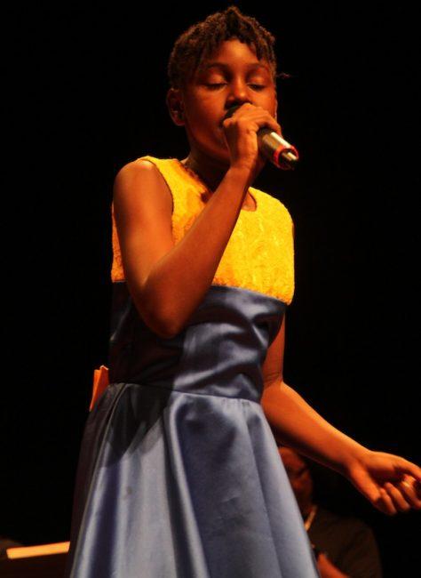Sarai singing Hail De Skipper.