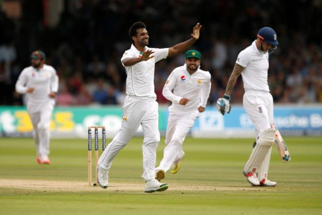 Britain Cricket - England v Pakistan - First Test - Lord's - 17/7/16 Pakistan's Rahat Ali celebrates the wicket of England's Alex Hales Action Images via Reuters / Andrew Boyers Livepic EDITORIAL USE ONLY.