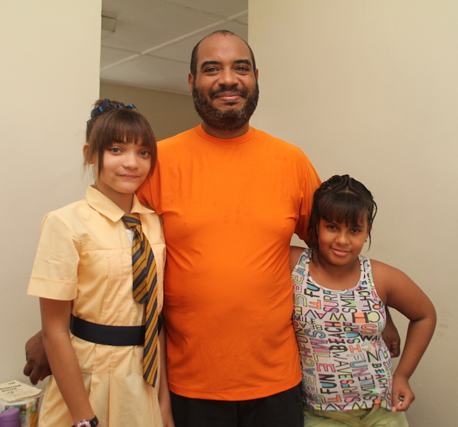 Keana with her dad Douglas Best and sister Elizabeth.