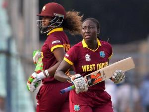 Stafanie Taylor (r) and Hayley Matthews  led the West Indies'  batting effort.