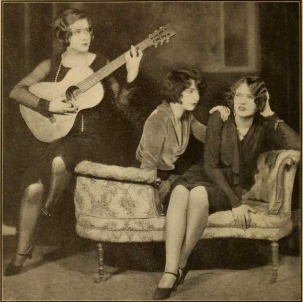 Rommates Ruby Stevens, Mae Clarke and Walda Mansfield in The Noose