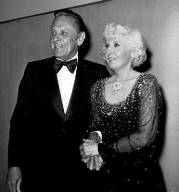Stanwyck and Holden presenting at the 1977 Academy Awards