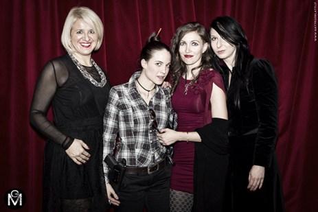 Le lettrici Serena Fornaciari e Camilla. e alla mia destra c'è la splendida Nico Grotesque Modena