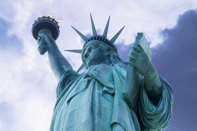statue-liberte-torche-retouch