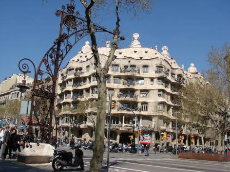 La Pedrera Eixample Barcelona Passeig de Gracia
