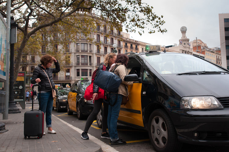 taxi Plaça Catalunya in Barcelona