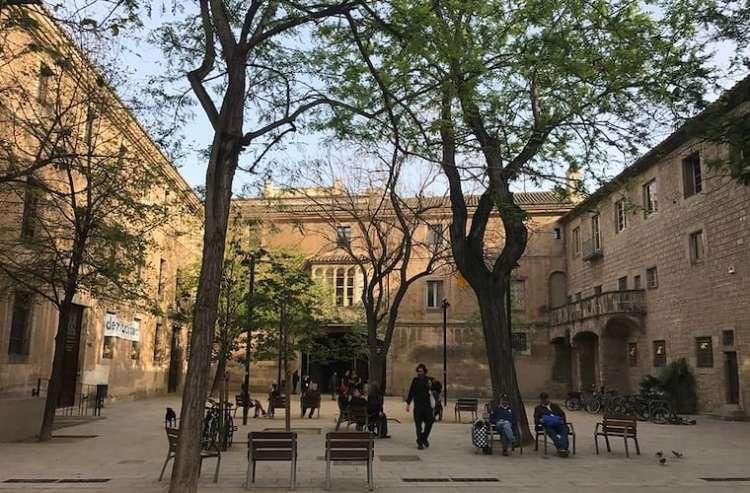 ziekenhuis raval Barcelona Binnenplaats
