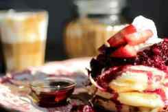 Pancakes met aardbeien Can Dende
