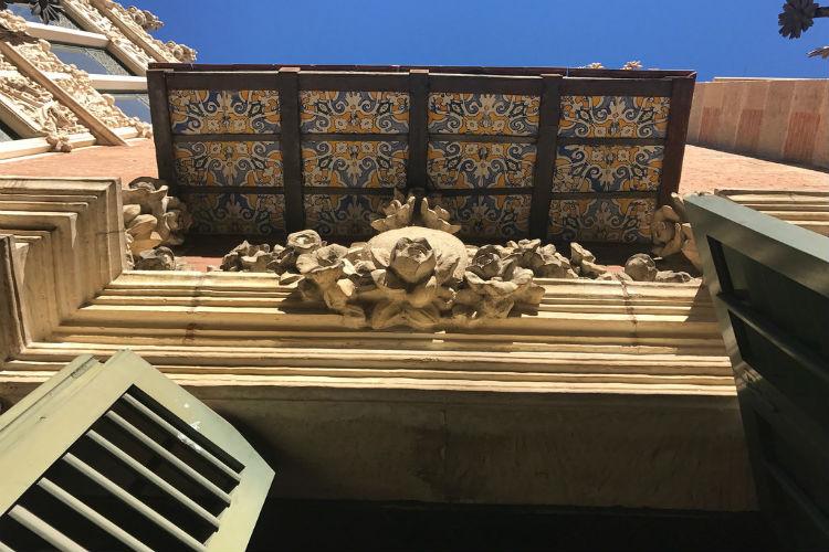 Casa de les Punxes balkon