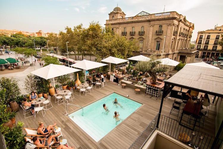 hotel aan het strand van Barcelona en aan zee