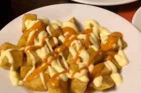 Patatas Bravas La Bombeta restaurant