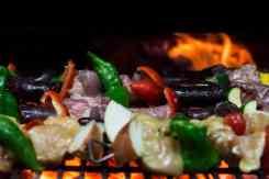 Groentespies op de gril bereiden restaurant Maur