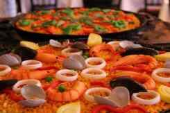 kleurrijke paella restaurant 7Portes
