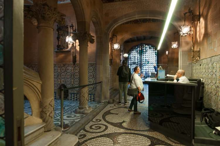 Palau Baro Cuadras Barcelona
