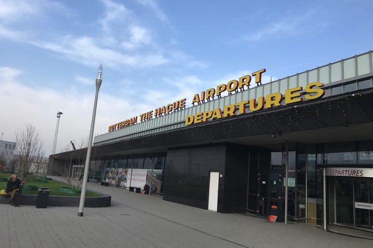 het vliegveld van rotterdam