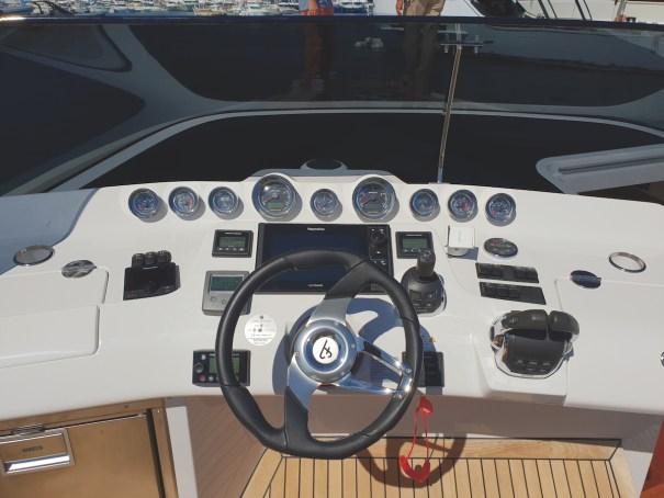 1414 Demon Frauscher barca a motore timoneria