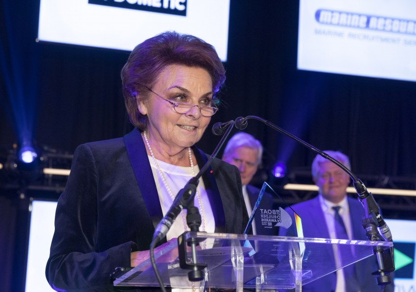Annette Roux beneteau barche a motore