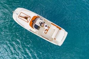 INVICTUS 250CX barche a motore 3