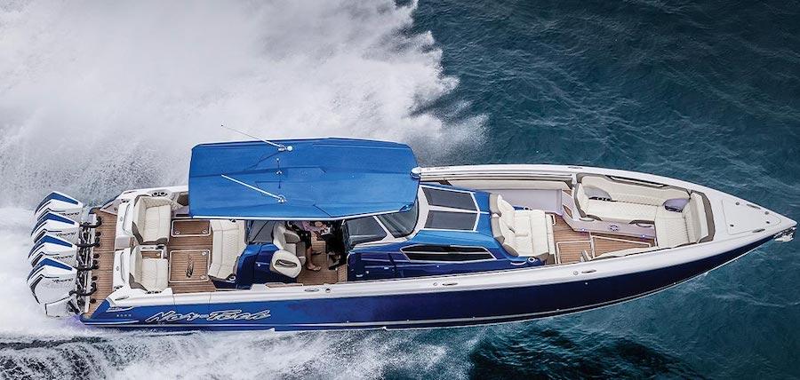 barca con motori mercury racing da 450 cavalli