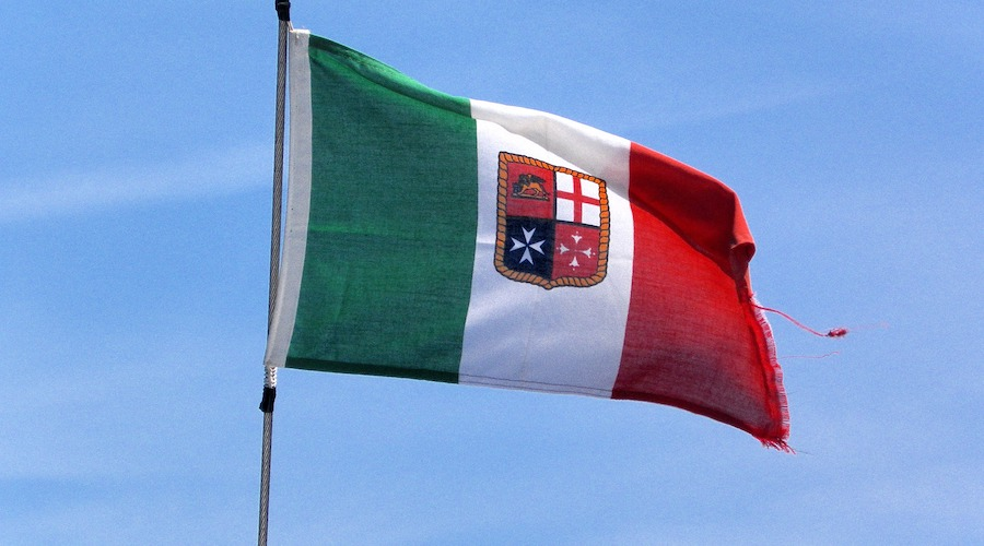 bandiera-italiana-barca