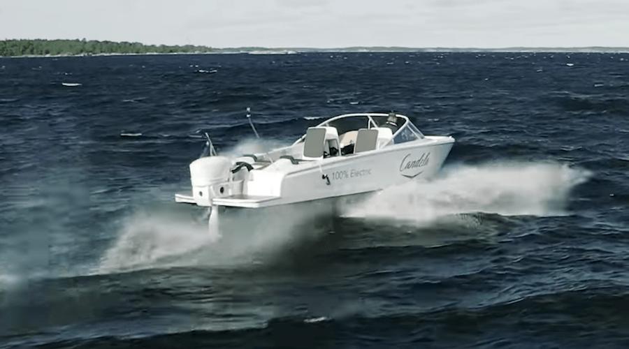 barca foil con onda