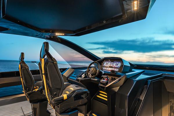 Plancia di comando del Tecnomar for Lamborghini 63