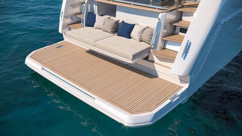 Prestige x60 beach club