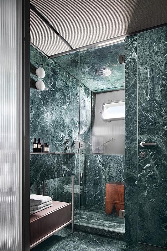Sanlorenzo SX  owners bathroom