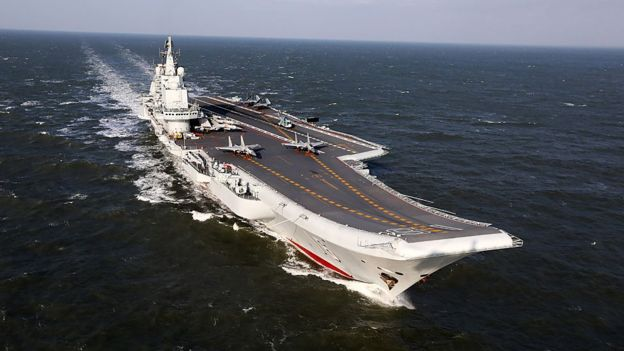 Barcos de guerra chinos