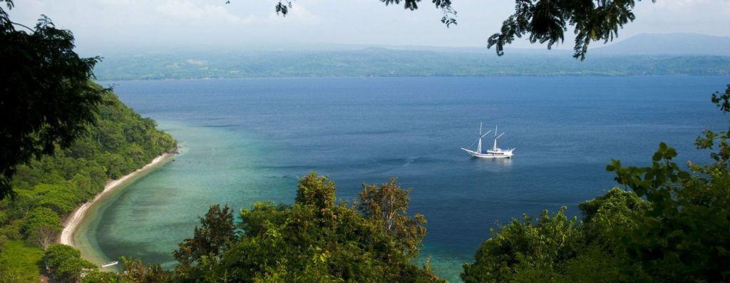 Sumbawa Pulau Satonda Phinisi liveaboard