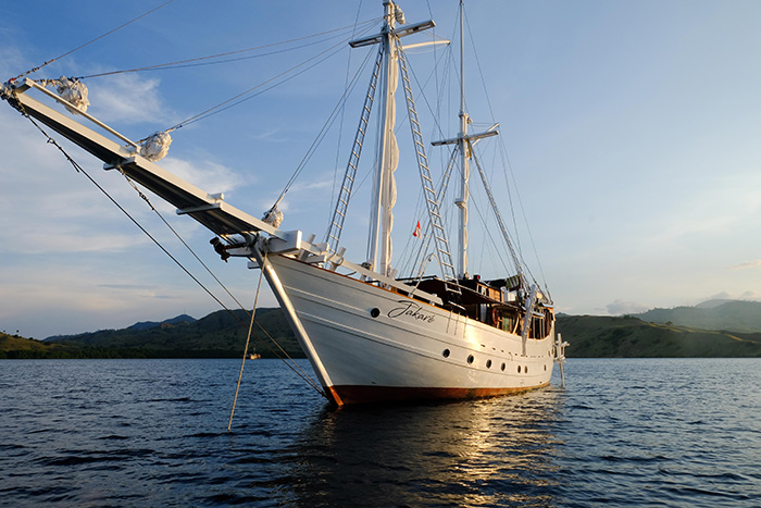 Jakare Yacht 4