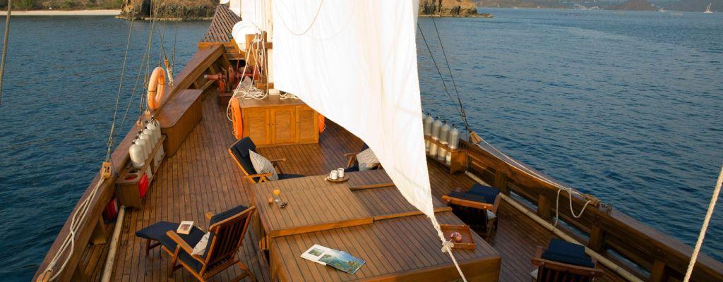 adventure boat charter