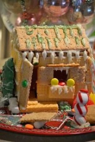 Gordons gingerbread house with see saw_small