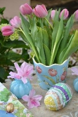 Happy Easter tulips_small