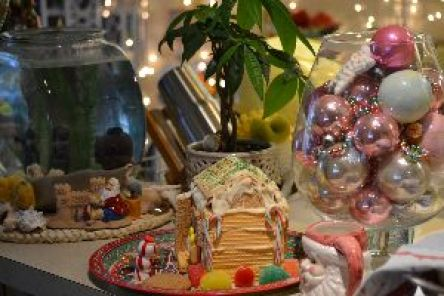 Tassos gingerbread house 2_small