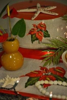 vintage hibiscus cake tin_small