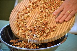 almonds in big chunks_small