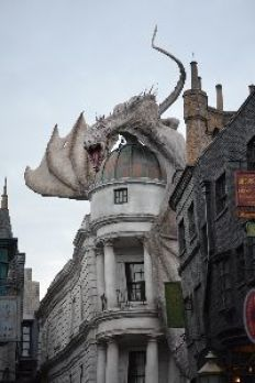 Diagon Alley Dragon_small