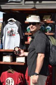 Gordon souvenir shopping_small
