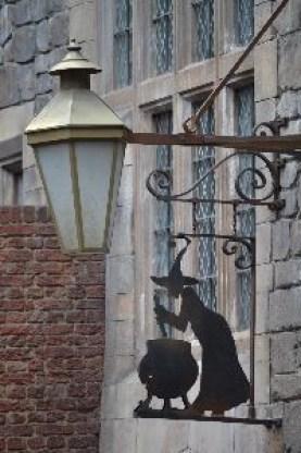 The Leaky Cauldron_small