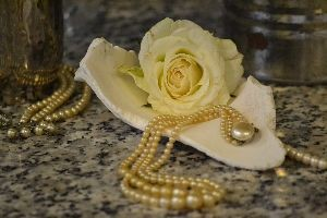 Pearls and White Roses_small