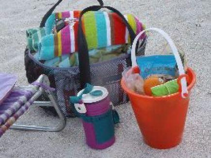 Beach Bucket Lunch