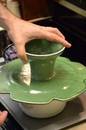 plating the green timbale onto this pedestal plate_small