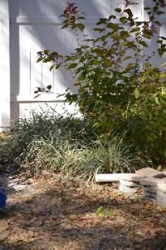 the before of the end retaining wall landscaping project_small