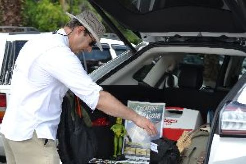 Gordon getting things out of the trunk_small