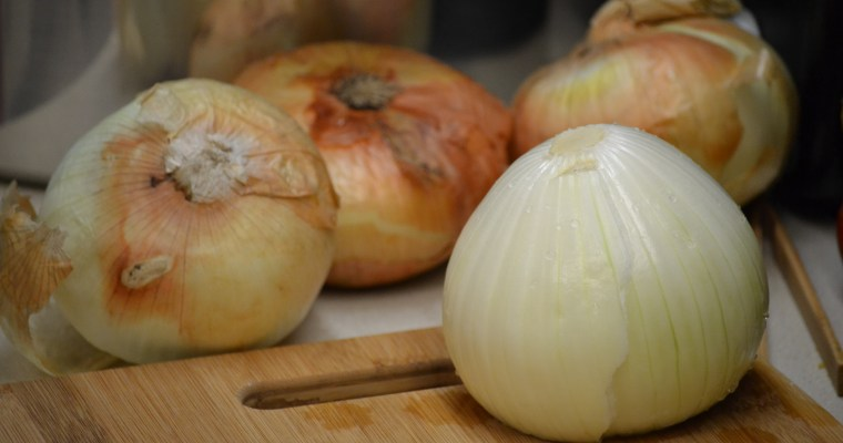 How To Chop up an Onion and Sautee