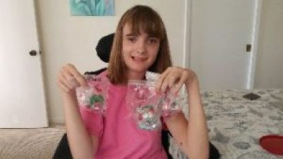 beautiful Deanna with her ornaments_small