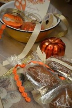 30 wrapping up our pumpkin bread for Thanksgiving gifts_small