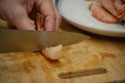 Shrimp preparing the shrimp for tempura_small