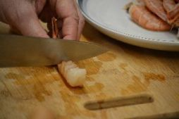 Shrimp slicing the shrimp in sections_small